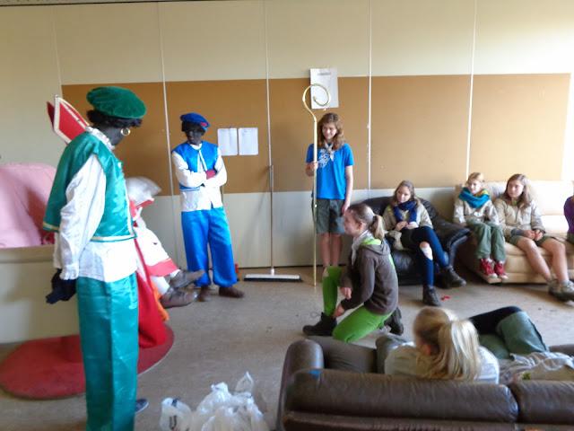 Sinterklaas op de scouts - 1 december 2013 - DSC00165.JPG