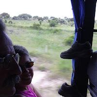 0057 Pilar y Zapa en el autobús