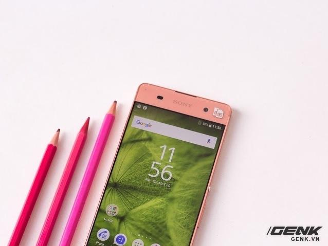 Theo như công bố, Sony Xperia XA chỉ dày khoảng 7,9 mm, nặng 137,4 gram