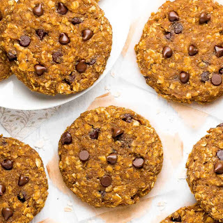 Healthy Pumpkin Chocolate Chip Oatmeal Breakfast Cookies.