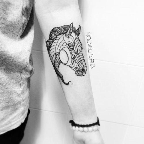 este_incrvel_e_cavalo_de_tatuagem