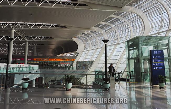 Hefei Airport Photo - elevator