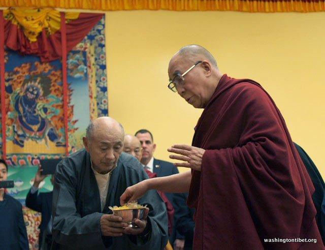 Tibetan Audience with HH Dalai Lama/HH Sakya Trizins Teaching in Portland, OR. - 18-cc%2BP5120203%2BA72.JPG