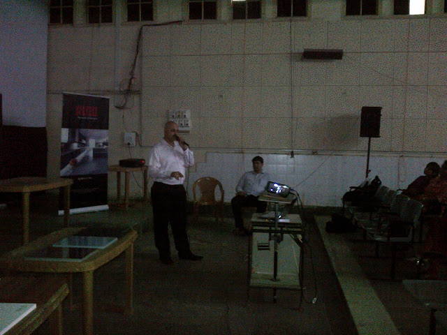 Addressing the 4th Year Architecture Students of J.J.School of Architecture - IMG-20120725-00085.jpg