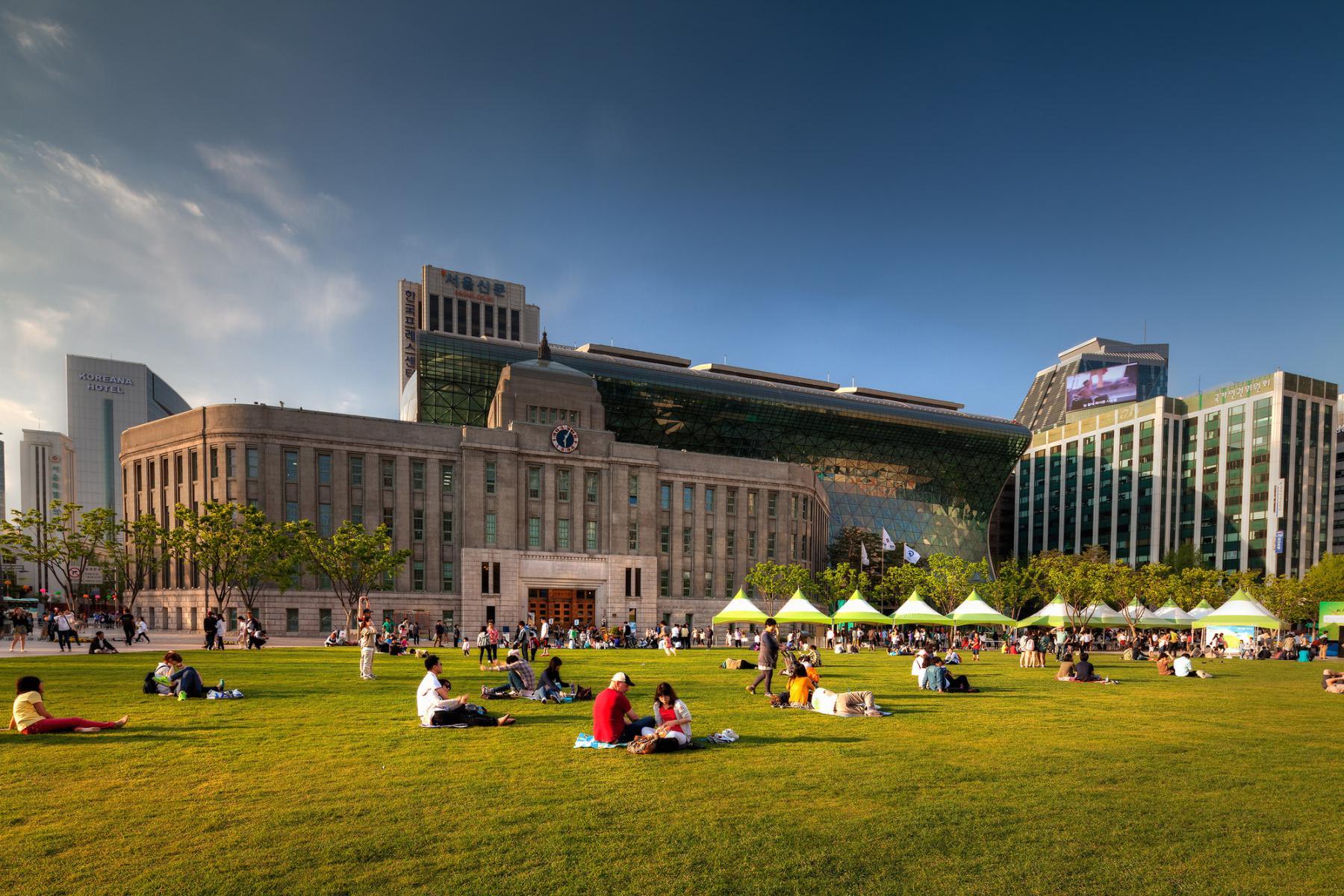 파일:external/c1038.r38.cf3.rackcdn.com/52aa6067e8e44e01d1000065_seoul-new-city-hall-iarc-architects_cityhallct103.jpg