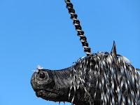 12 - Az egyszarvú lovat az sem zavarja, hogy az orrára szállt egy pillangó.JPG