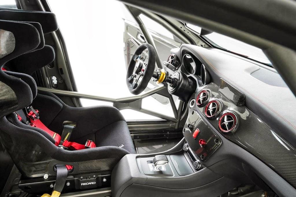 Mercedes Benz CLA 45 AMG Racer 10