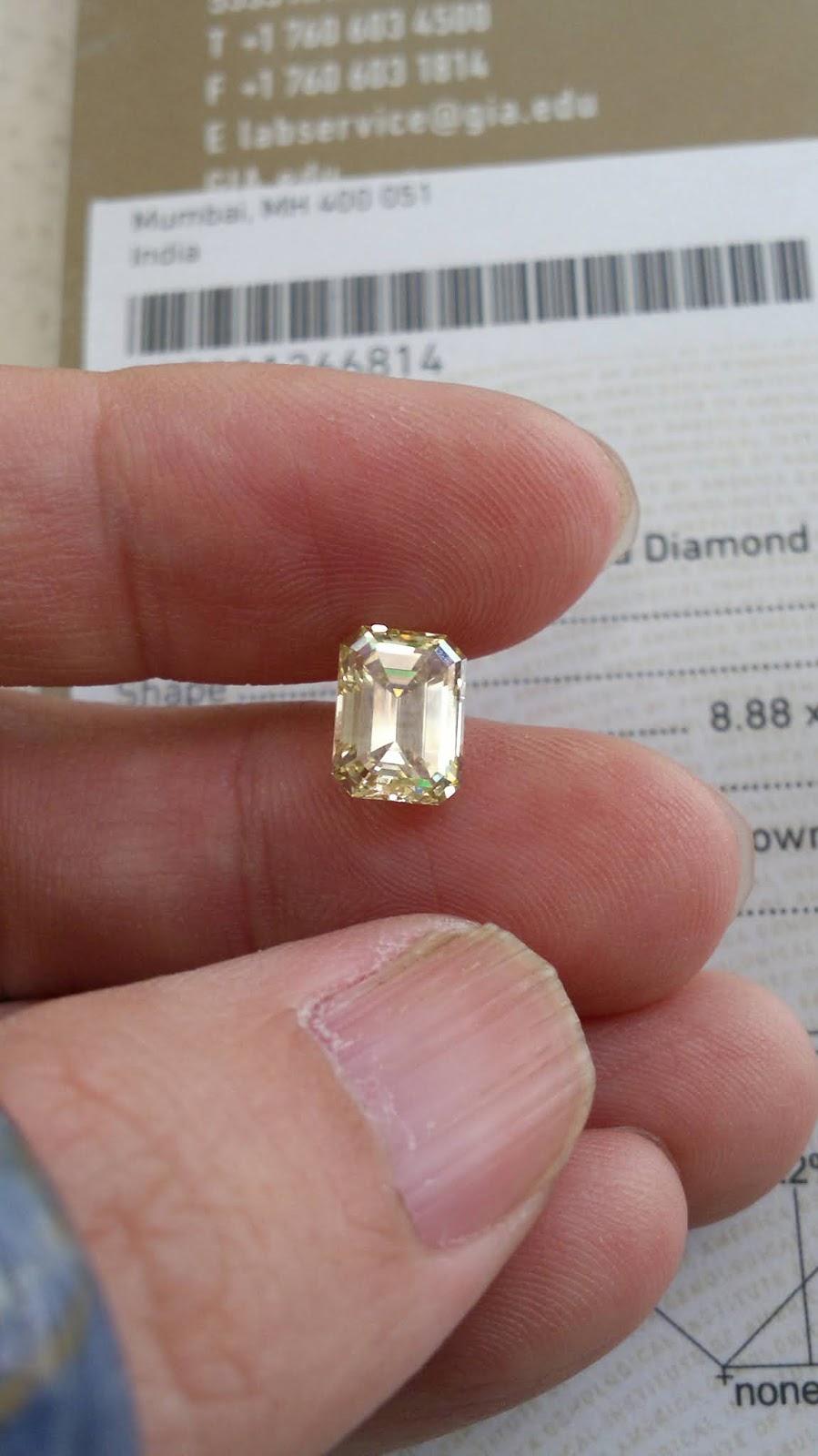 Kim Cương tự nhiên màu vàng, đã kiểm định GIA 5212205083