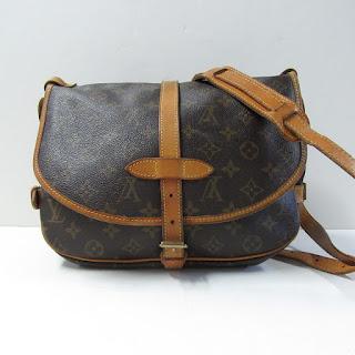 Louis Vuitton Saumur 30 Crossbody