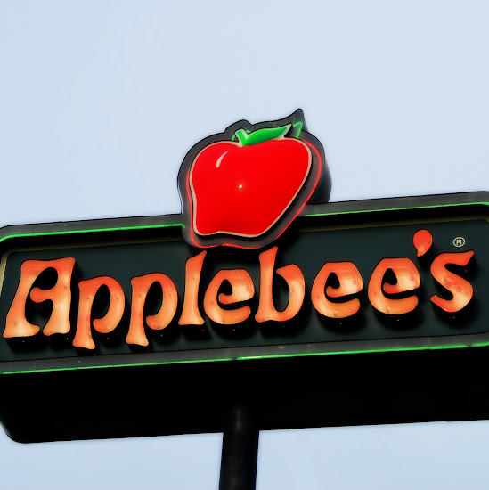 Applebee's sign. Photo by Blue MauMau
