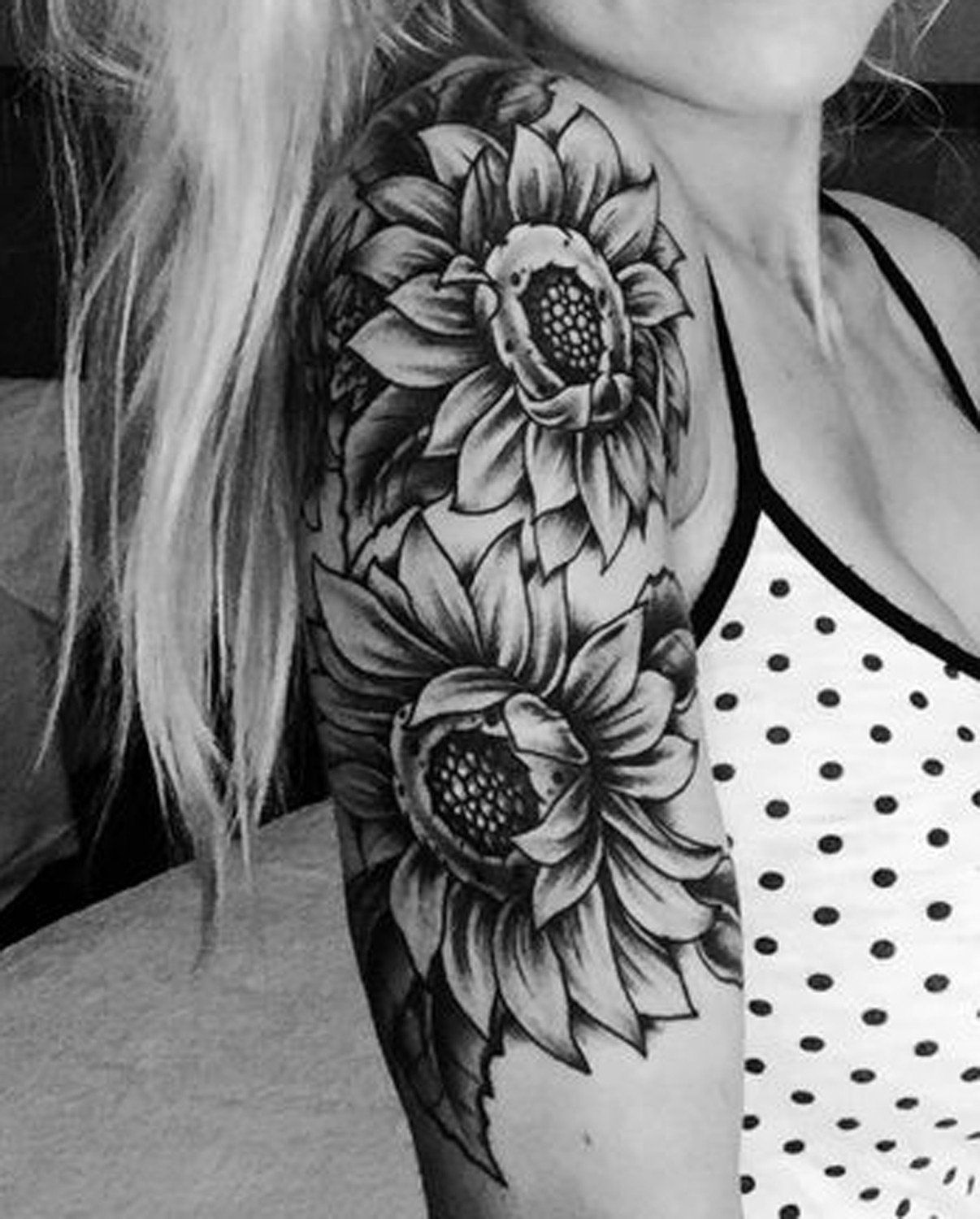 LATEST SUNFLOWER TATTOO DESIGNS FOR ATTRACTIVE WOMEN'S LOOK 2