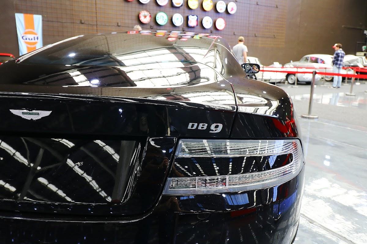 2007 Aston Martin DB9 (03).jpg