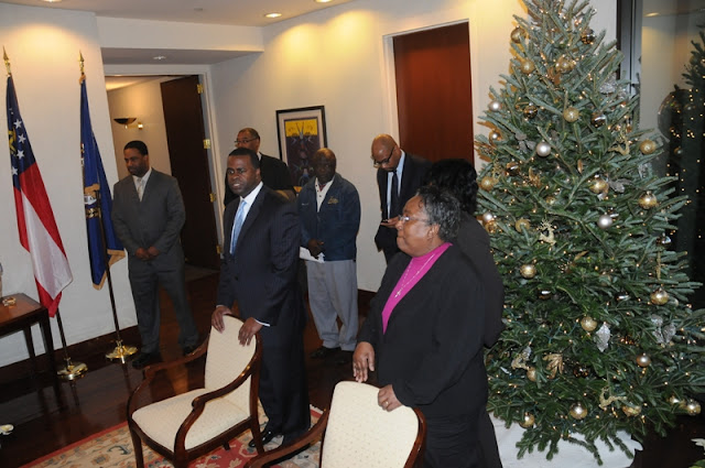 Dec. 2010: ELI Visits Atlanta - DSC_7986.JPG