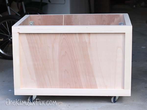 Easy rolling wooden toybox