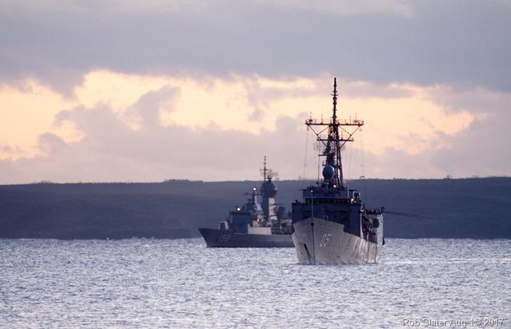 05 - HMAS Melbourne (III) - HMAS Warramunga (FFH 152)