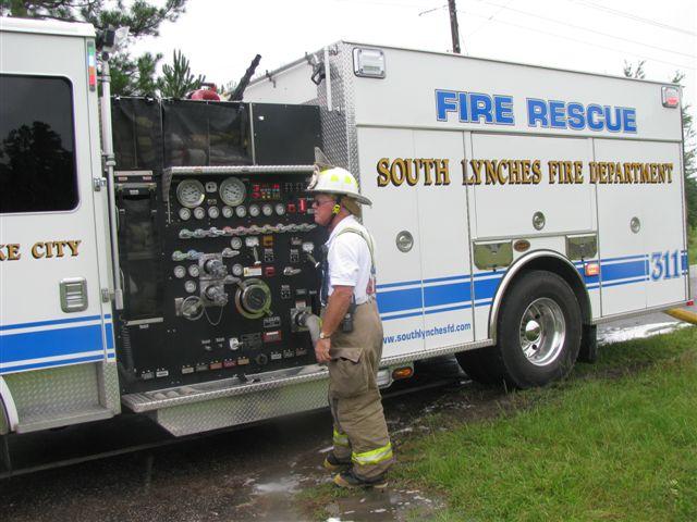 Friendfield Rd. Auto Repair Shop Fire 041.jpg