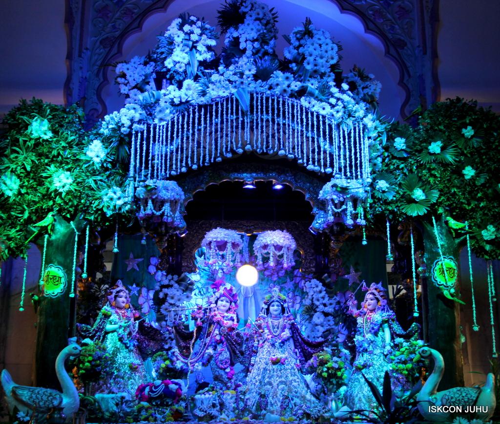 Sharad Purnima Deity Darshan on 16th Oct 2016 (34)