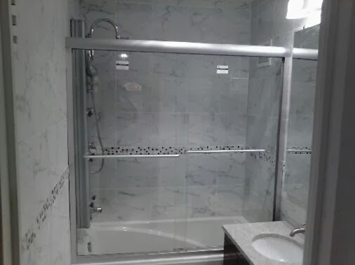 Bathrooms - 6580.jpg