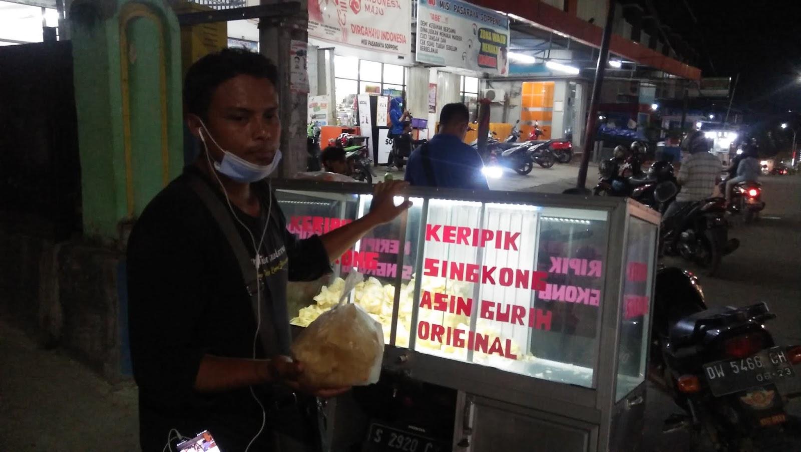 Pedagang Keripik Singkong : Soppeng Aman Mas