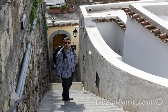 Positano'da, merdivenlerden inerken