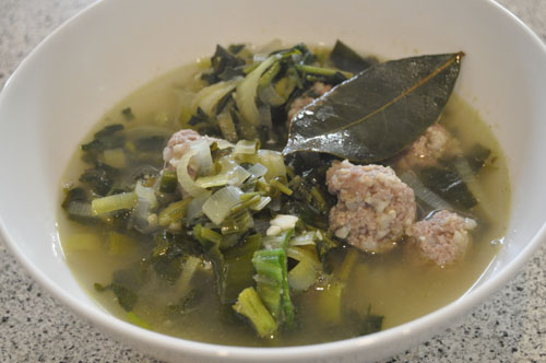 Hot Girls Cooking, Water cress & Leek soup with poached Lamb mince balls, New Zealand (NZ) Cooking, Cooking for real. 新西兰烹饪,配有照片的食谱教程