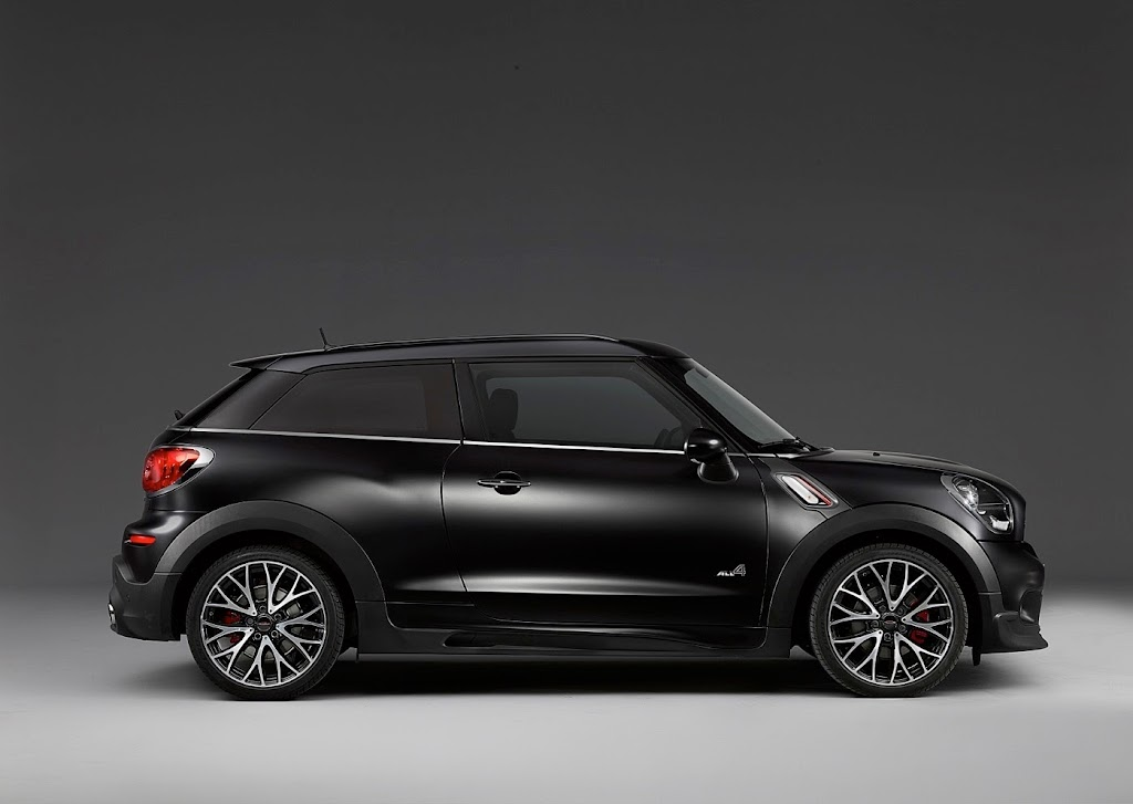 MINI Paceman Frozen Black Matte 56