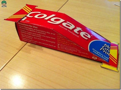 coche reciclado de caa de pasta de dientes (5)