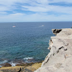 Great views from South head (keep back from the edge) (255716)