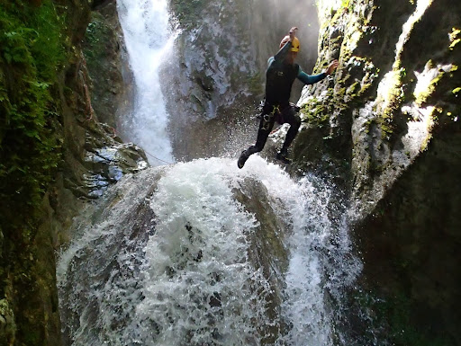 Saut de 13m, canyon du Versoud
