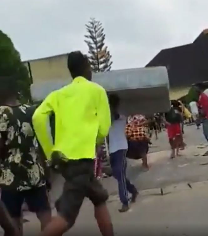 Senator Victor Ndoma-Egba's House In Calabar Looted And Set On Fire (Video)