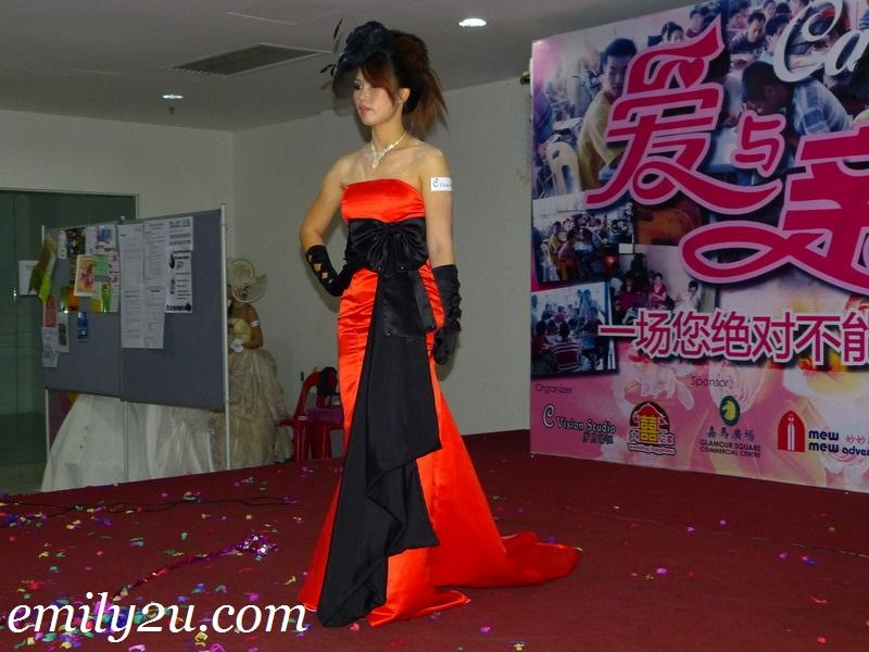 wedding dress catwalk show