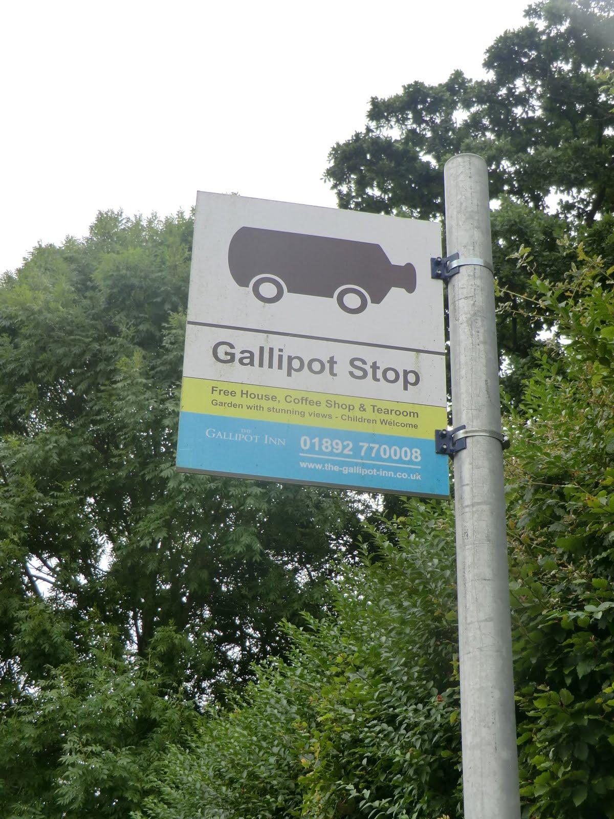 CIMG5925 Fake bus stop outside the Gallipot Inn