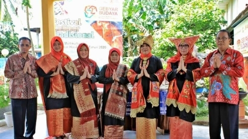 BPNB Sumbar Angkat Pangek Sumpu pada Festival Kuliner Tradisional 2020 di Tanjungpinang.