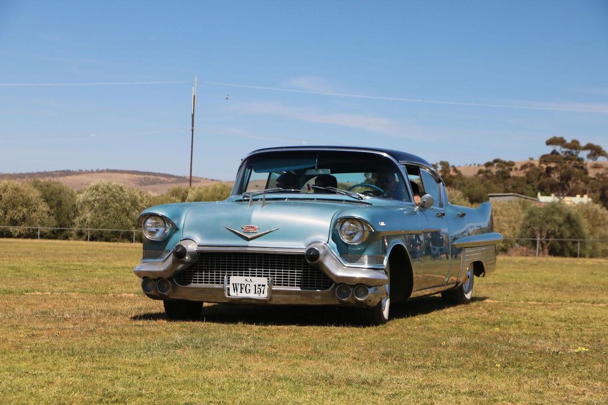 Cadillac (02).jpg