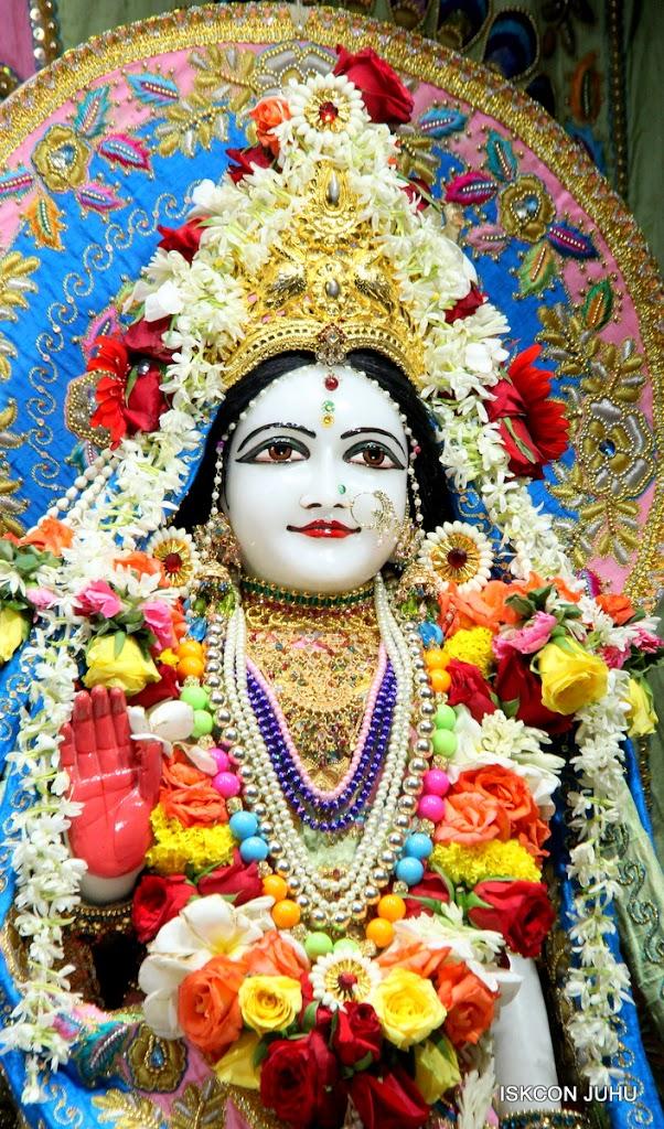 ISKCON Juhu Sringar Deity Darshan 10 Apr 16 (18)