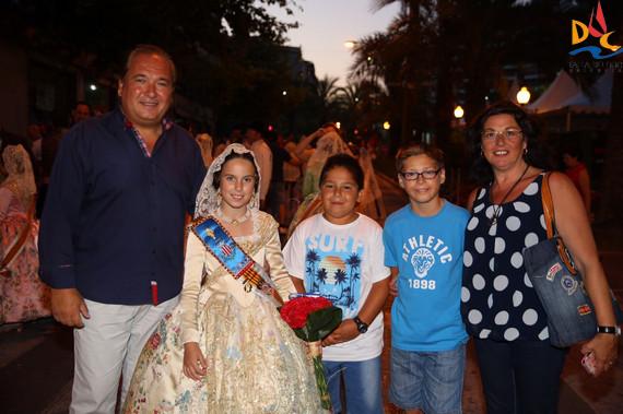 Aitana ofrendó sus flores a la Virgen del Remedio