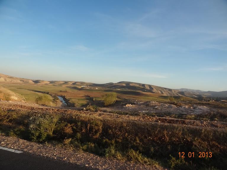 Marrocos e Mauritãnia a Queimar Pneu e Gasolina - Página 2 DSC05532
