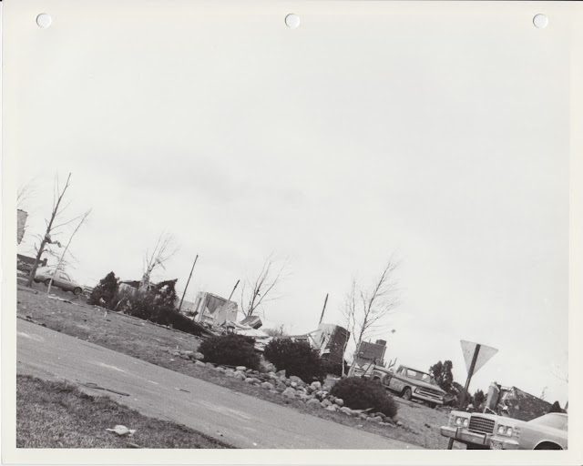 1976 Tornado photos collection - 23.tif