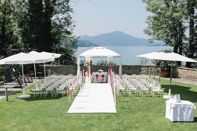 standesamtliche Hochzeit im Garten  von der Terrasse aus