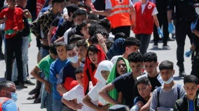 """Amnistía Internacional se suma a las denuncias a Mohamed VI y a su gobierno por usar a niños como """"peones"""" en un juego político."""