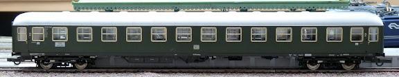 Roco 64031: Abteilwagen Bauart 53, 2. Klasse, der DB