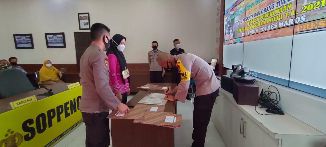 Penandatanganan Fakta Integritas Penerimaan Terpadu Anggota Polri TA 2021 Di Pimpin Lansung Oleh Kapolres Soppeng
