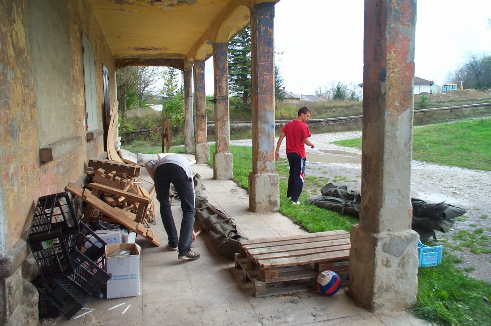 Inventura skladišča, Ilirska Bistrica 2004 - Inventura%2Bskladis%25CC%258Cc%25CC%258Ca%2B2004%2B001.jpg