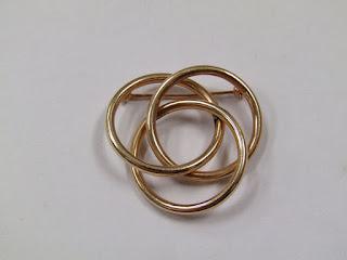 14 K Gold 3-Ring Brooch