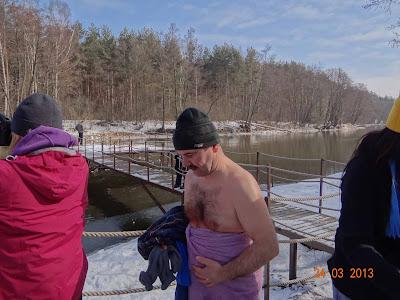 Gdy patrzę na Andrzeja, będąć w cieplutkim pokoiku, też robi mi się zimno.