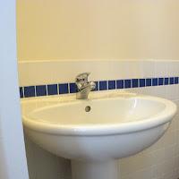 Room 43-bathroom2