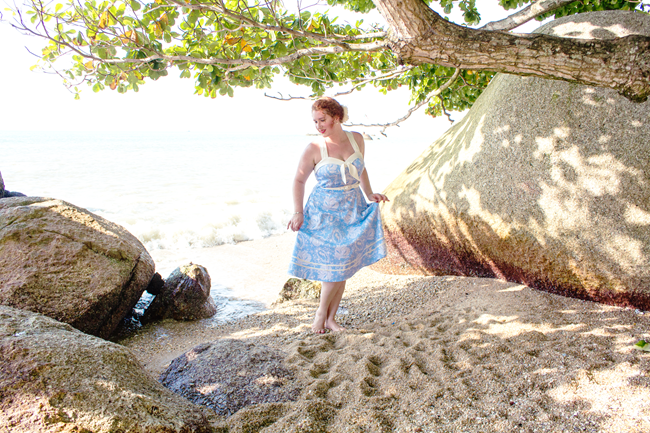Beach side vintage style with Voodoo Vixen | Lavender & Twill