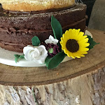 Sunflower wedding cake 8.jpg