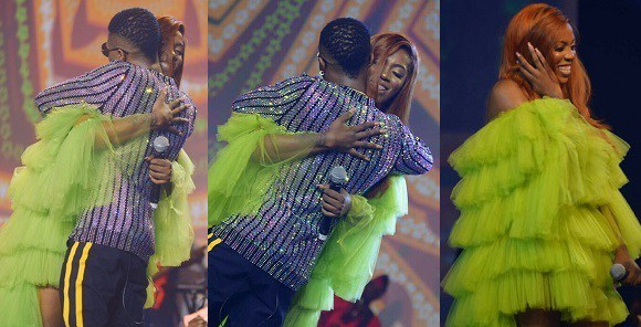 Beautiful Moment Tiwa Savage And Wizkid Hugged For A Long Period On Stage (Photos)