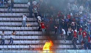 Sport et violence: combattre le fléau par l'application des lois